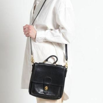 ONETOW Vintage 80s Classic Black Leather Coach Station Bag