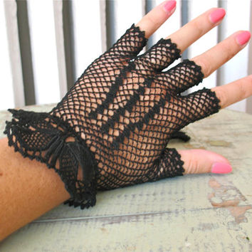 Lady Danger | Vintage 1940s Black Crochet Gloves Fingerless Driving Gloves Mesh Gloves - Pretty Cuff Detail