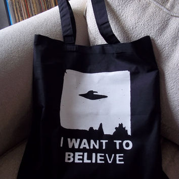I want to believe black tote bag - UFO reusable bag - Trust no one library book bag