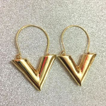 Vintage Personality Gold Big V Shape Geometric Earrings for Women Exaggerated Dangle Earrings Brinco Earing Eardrops 24
