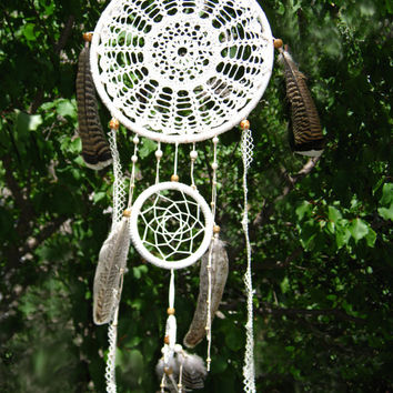 Large White Doily Dream Catcher, Handmade Dream Catcher,  Lace dreamcatcher Huge dream, White, Wooden beads, Feather