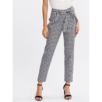 Black And White Mid Waist Gingham Tapered Carrot Crop Pant