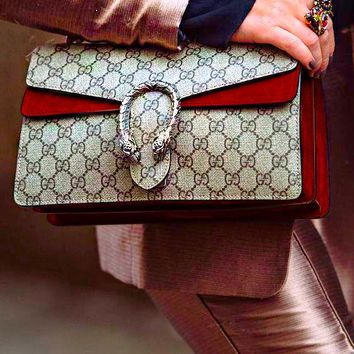 GUCCI Fashion hot lady drunkard shoulder bag Burgunry