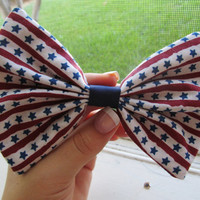 Patriotic America Vintage Hair Bow by PinsAndDots on Etsy
