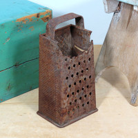 Rusty Box Grater With Great Patina . Fun Rusty Rustic Old Cheese Grater . Farmhouse Decor . Shabby Cottage