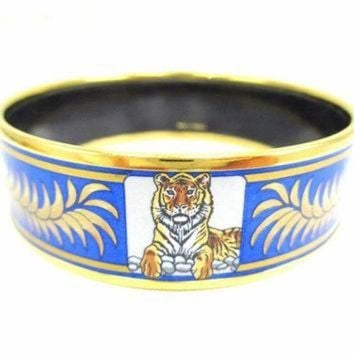 PEAPYD9 Vintage Hermes cloisonne enamel golden thick bangle, bracelet with tiger and crown de