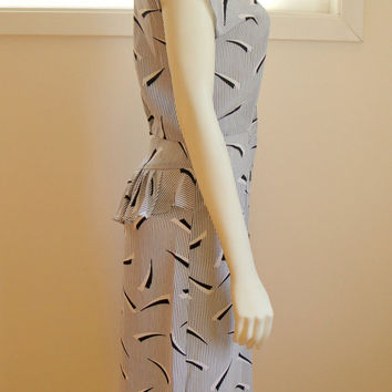 25% Sale 80's Abstract Print Dress. Black and White Secretary Dress. Vertical Stripe. Peplum Skirt. Retro. Medium Large