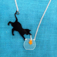 81N ACRLIC LASER JEWELRY CAT WITH FISH NECKLACE