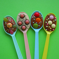 Delicious Delicious Delicious: Chocolate Party Spoons!