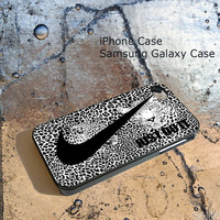 Nike just Do It Leopard Black and White For iPhone 4/4S/5/5S/5C, Samsung Galaxy S3/S4, iPod Touch 4/5, htc One X/x+/S Case