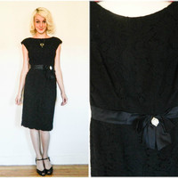 50s vintage wiggle dress / 1950s retro black lace cocktail dress / bow waist little black dress rockabilly / mid century boatneck size small