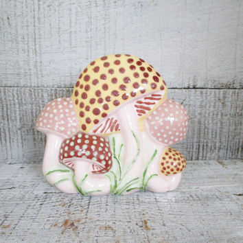 Napkin Holder Retro Ceramic Napkin Holder Hand Painted Mushroom Napkin Holder Vintage Mail Holder Retro Kitchen Decor Cottage Chic Decor