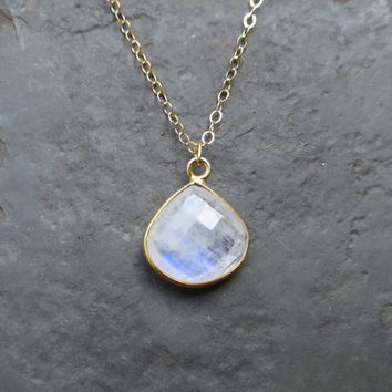Rainbow Moonstone Necklace, Gold Moonstone Jewelry, Dainty Moonstone Pendant, Dainty Gold, Moonstone Teardrop Necklace, Framed Moonstone