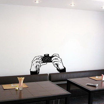 WALL VINYL STICKER DECAL ART PAPARAZZI HANDS HOLDING CAMERA CUTE DESIGN K139