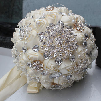 2016 hot Best Selling Price Ivory Cream Brooch Bouquet Wedding Bouquet de mariage Polyester Wedding Bouquets Pearl Flowers buque