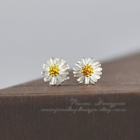 Flower Earrings, Sterling Silver Daisy Stud Earrings,Tiny Daisy Flower Studs, Cute Earring Studs,Simple Everyday Dainty Jewelry Gift For Her