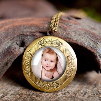 2018 Personalized Custom Photo Locket Pendant Necklace DIY Photo of Your Baby Child Mom Dad Loved One Gift for Family Jewelry