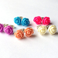 LITTLE ROSES Stud Earrings - Rose cabochon earrings - Shabby chic - Post earrings - Bridesmaid earrings - Bridal Flower Earrings