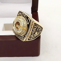 Green Bay Packers Championship Ring with Wooden Box 1996