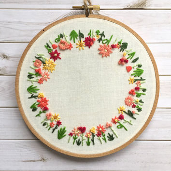 Round Floral Embroidery Hoop Art. Gift for Mom. Hoop Art. Floral Wall Art. Housewarming gift. Wall Art. Home Decor. Embroidery Wall Hanging