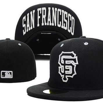 DCCKBE6 San Francisco Giants New Era MLB Authentic Collection 59FIFTY Hat Black-White