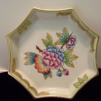 "ON SALE Herend Hungary Queen Victoria Vintage Pin Trinket Dish 4 1/4"" Hand Painted Flowers Leaves"
