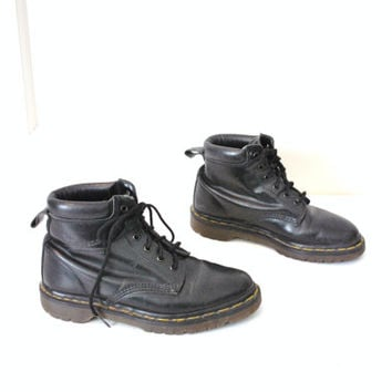 size 8 Dr Doc Marten ankle boots / GRUNGE black leather docs combat boots