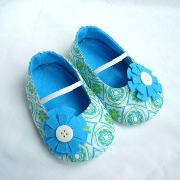 Fabric Baby Shoes, Blue Baby girl Shoes, Felt Slippers, Blue Baby Booties, Soft Sole Shoes, Crib Shoes.