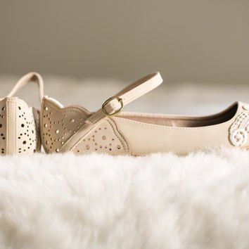Stone Wedding Flats, Wedding Shoes, Stone Flats, Bridesmaid Gift, Bridal Flats with Ivory Lace. US Size 10