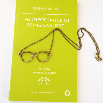Geek Glasses Necklace with Oscar Wilde Quote