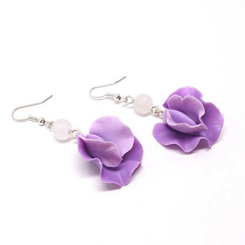 Sweet pea earrings, light violet flower jewelry, gemstone earrings, polymer clay jewelry, swarovski beads earrings