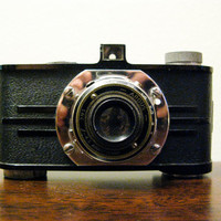 Early Argus 35mm Camera Bakelite Body by timepassagesshop on Etsy
