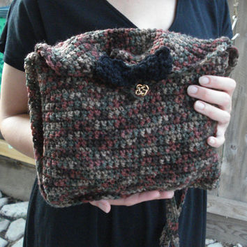 Crochet Cross body bag-  Natural- woods - camping - Bow - bag - handbag - Black - Brown - Green - fall - earth tones