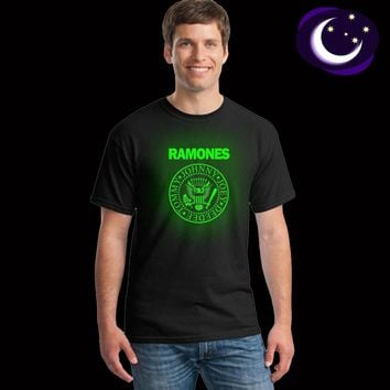 Luminous Ramones Men T Shirt Fluorescent Retro Logo Print Teens American Punk Rock Band Music T-shirt Night Light Tees Tops Male