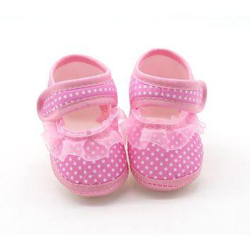 2017 Lace Cloth Shoes Baby Girls First Walkers Toddler Bow Flower Footwear Summer Baby Girl Soft Sole Shoes