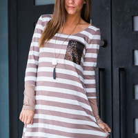 Touch Of Glitz Dress, Mocha/White