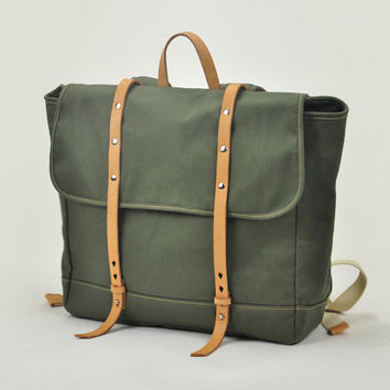 Stylish and utility canvas travel backpack daypack in military green unisex