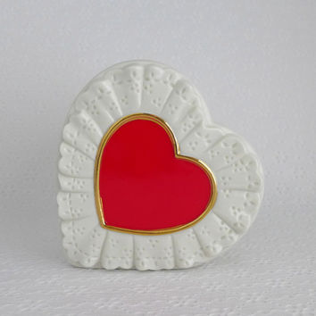 Vintage Valentine Planter, Valentines Day Decor, Red Heart Planter, Heart Shaped Planter, Cream Eyelet Lace, Ceramic Heart Vase