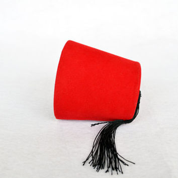 Mini Doctor Who Fez Hat Fezzes Are Cool - Eleventh Doctor Mini Fez - Cosplay Doctor Who Fan - 11. Doctor Red Doctor Who Fez