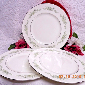 Wedgwood White China Dinnerware WestBury Pattern #: R4410 set 3 Dinner Plate