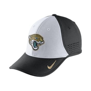 Nike True Vapor (NFL Jaguars) Adjustable Hat (Black)