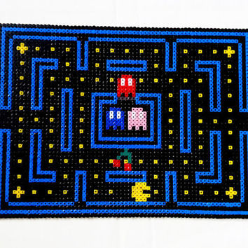Pacman dining table place mats , hama perler bead place setting pot holder , retro video game pixel art
