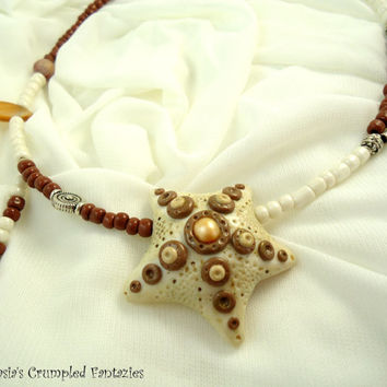 White brown starfish,  Polymer clay necklace, Sea bottom creatures, Underwater pendant, Natural freshwater pearls agate stone bead