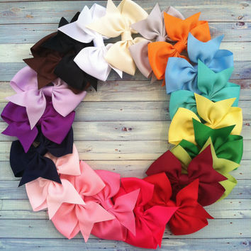 CUSTOMER FAVORITE / 10 hair bows / 100 each / by whomadethatbow