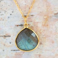 Labradorite Gemstone Pendant Necklace