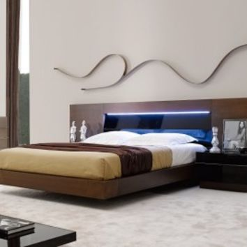 Barcelona Platform Bed by J&M Furniture - Opulentitems.com