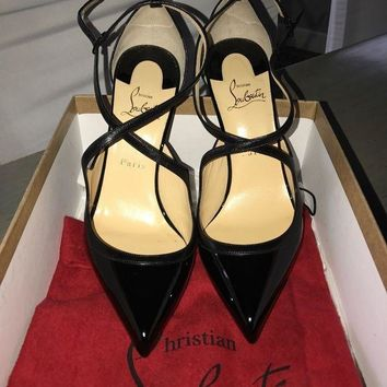 DCCKU7Q Christian Louboutin Crissos shoes