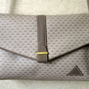 Crossbody Bag clutch purse or shoulder bag with long strap faux leather purse medium size preppy hipster designer handbag Liz Claiborne logo