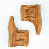 Fetching Fringe Boots in Rust