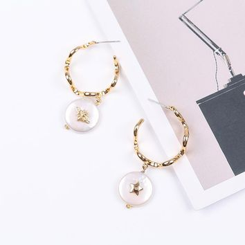 Vanssey Fashion Jewelry Round Insect Bee Star Natural Baroque Pearl Brass Assymetrical Earrings Accessories for Women New